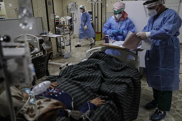 Koronavírus: gyors a járvány terjedése, újabb közel 8 ezer életet követelt