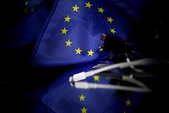 Brüsszel ma dönt az iPhone-töltők sorsáról