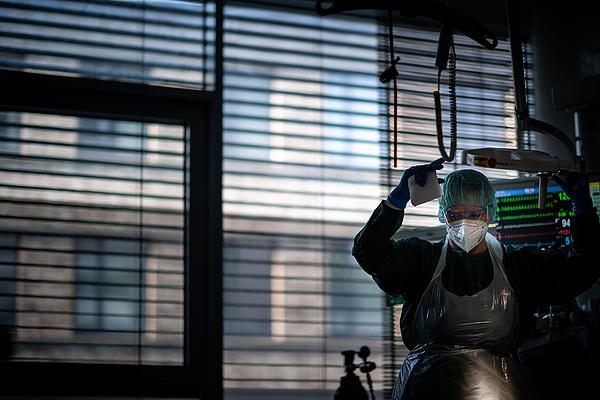 Koronavírus: július közepe óta nem volt ilyen sok új fertőzött Nagy-Britanniában