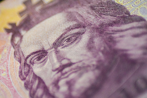 A kormány azt fontolgatja, hogy jövőre is kivesz az önkormányzatok zsebéből 150 milliárd forint iparűzési adót