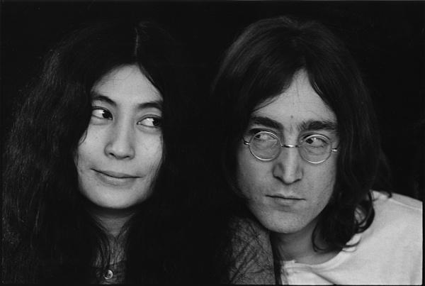 Eddig ismeretlen Lennon felvételért fizettek extra összeget egy aukción