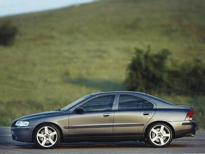 Közel félmillió autót hív vissza a Volvo