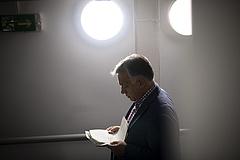 Orbán Viktor bérmeléseket jelentett be