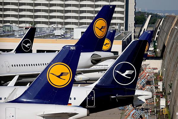 Le a belföldi repülőjáratokkal! - üzenték meg a koalícióra készülő politikusoknak