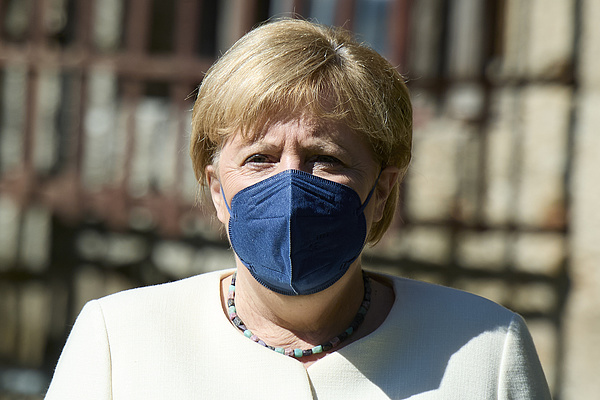 Merkel még utoljára kiállt az Orbán- és a Morrawiecki-kormányok mellett az EU-ban