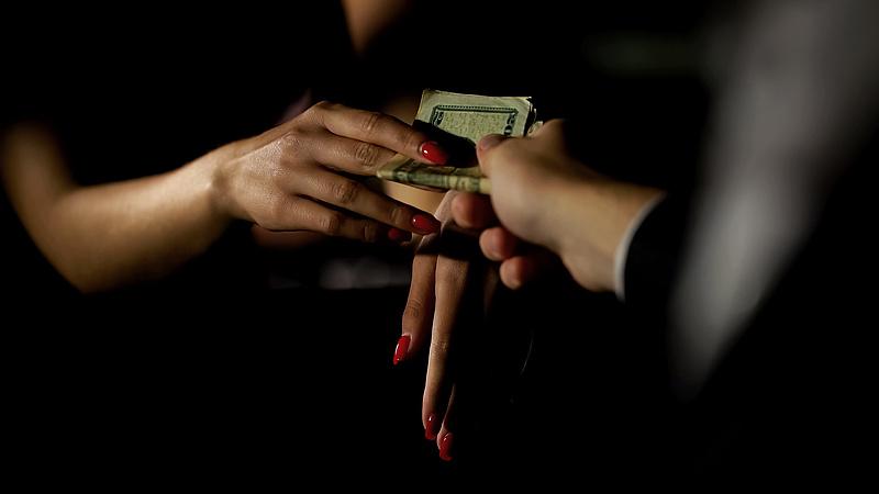 Betiltaná a prostitúciót a spanyol miniszterelnök – Napi.hu