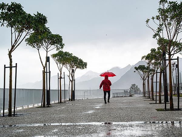 Emberéletet követelt a nyugati parton végigsöprő vihar