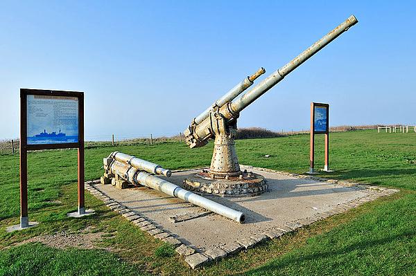 Most már csak a lövések hiányoznak a kiújuló francia-angol háborúból