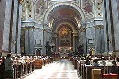 Kijárási korlátozások: a templomok nyitva maradnak