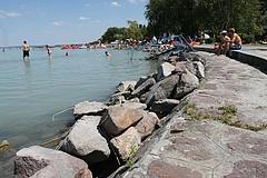 A Balatonnál nyaralna? Ennek a hírnek örülni fog