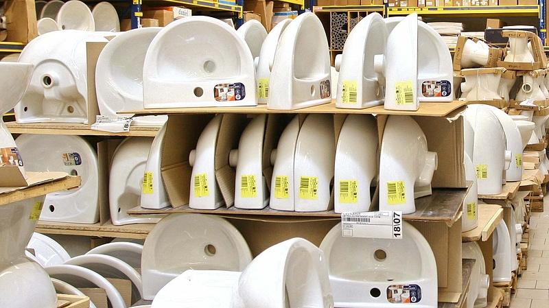 Durván megfenyegették a dolgozókat az egyik áruháznál