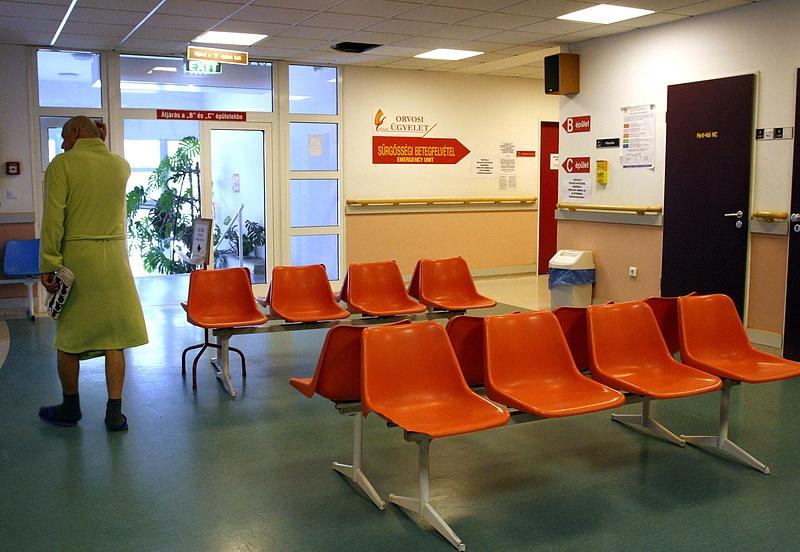 Tömeges felmondás egy fővárosi kórházban, leállt egy vidéki szakrendelő