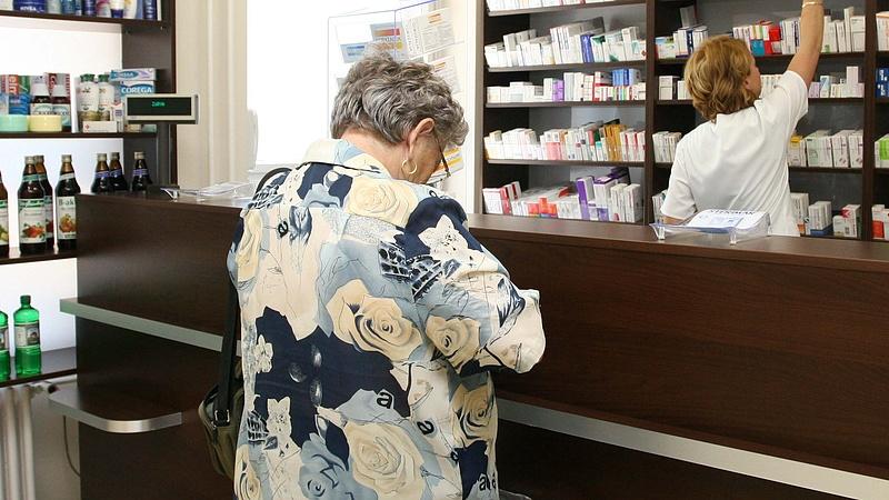 Kásler: köszönet a gyógyszerészeknek, és kérjük, segítsék a lakosság nyugalmának megőrzését!