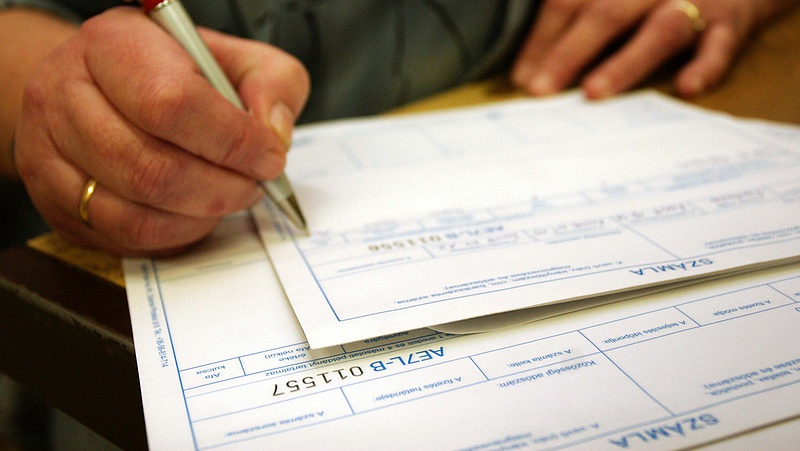 Államtitkár: új korszak kezdődik az adózásban