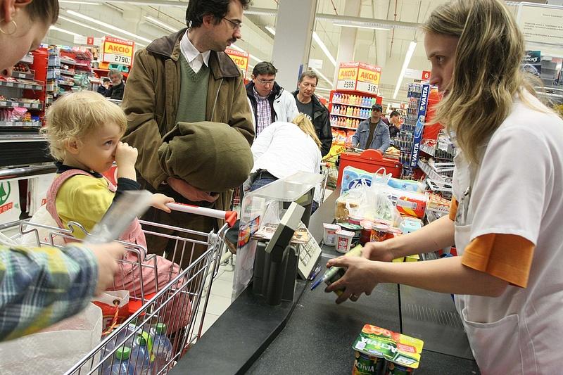Vasárnapi boltnyitás: nagy pofon jön az ősszel