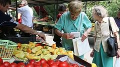 Kiütheti az áruházakat a nyugdíjas idősáv bevezetése