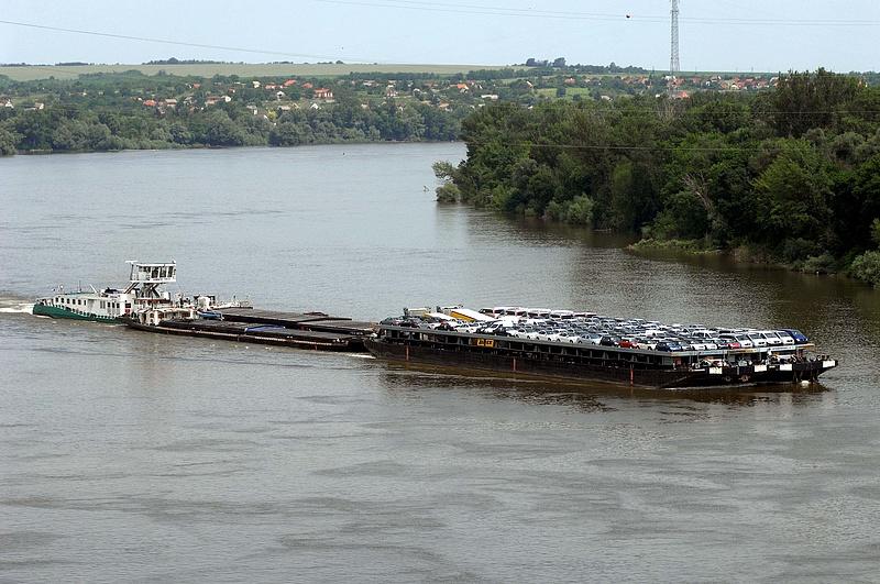 Uniós támogatásból épül a mohácsi áruforgalmi kikötő