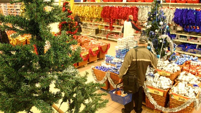 Karácsonyi bevásárlás: a boltosok kérést intéztek a vevőkhöz