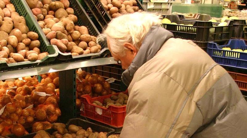 A kisnyugdíjasok és a szegények érdekében írnák át az adócsomagot - itt az LMP javaslata