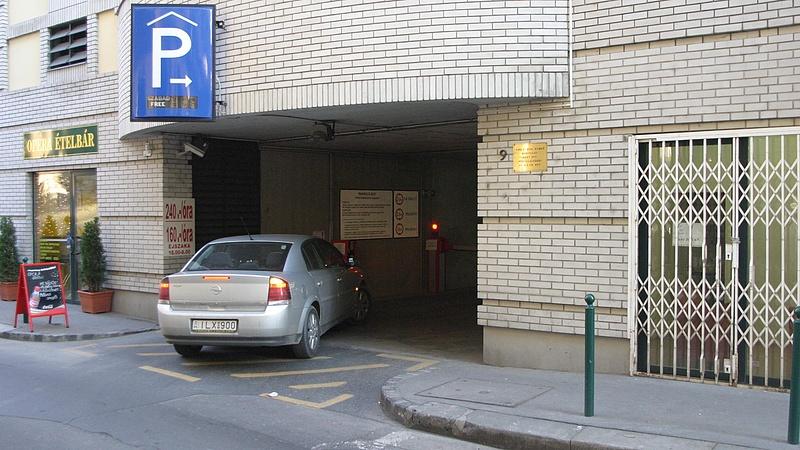 Megjelent a kormányrendelet a parkolóházak ingyenes használatáról