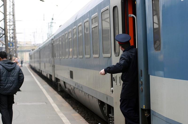 Fokozott ellenőrzés jön a vonatokon - mutatjuk, miért