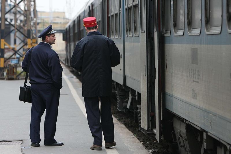 Ezzel lassítja a magyar állam a bérek emelkedését