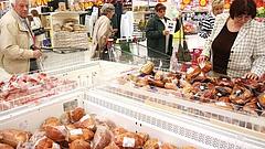 Élelmiszercsomagot és készpénzt kapnak húsvétra a nyugdíjasok - de nem mindenki
