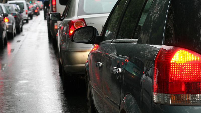 Autósok, figyelem - útlezárással indul a hétvége