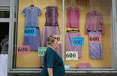 Rohamosan nő a használt ruhák piaca