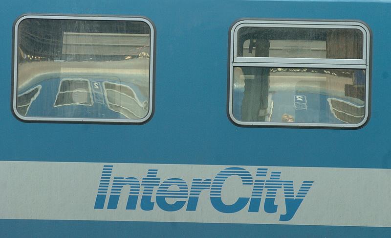 Lejárt a műszak, pusztában hagyta utasait a mozdonyvezető - reagált a MÁV