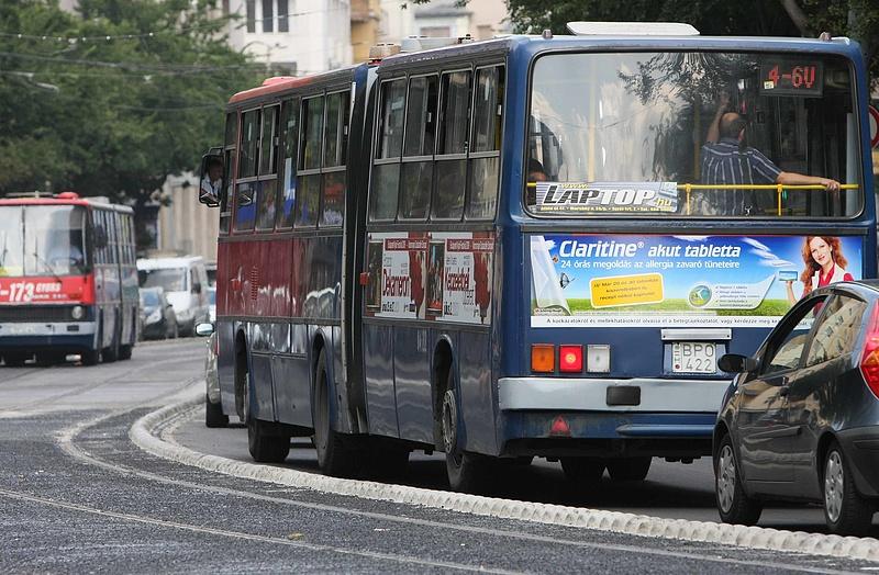 Negyven fokot mértek a villamospótló buszon