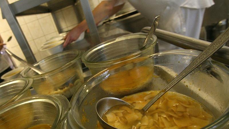 Forrnak az indulatok: 1600 gyermek ebédje forog kockán Balmazújvárosban