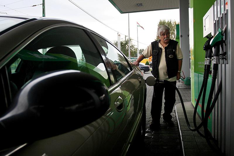 Nincs megállás: ismét drágulnak az üzemanyagok