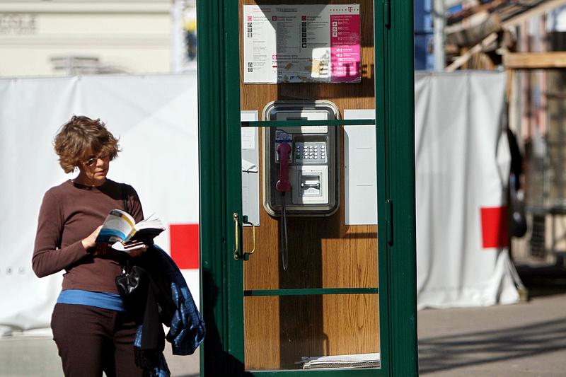 Folyamatosan csökken a telefonfülkék száma, de még mindig rendszeresen használják azokat