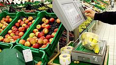 Bődületesen megdrágult az alma, kilőtt a felvágottak ára