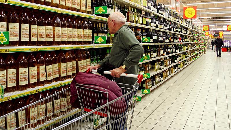 Üzent a kormány: nem számíthatnak csodára a nyugdíjasok