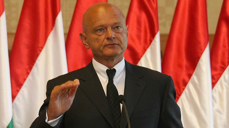 Új dimenzióba léptek a fizetések - Európa élvonalába került Magyarország
