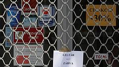 A brit koronavírus egy órával hamarabb zárja a boltokat, mint a magyar