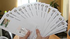 Kétszer is Erzsébet-utalványt hozhat a postás a nyugdíjasoknak