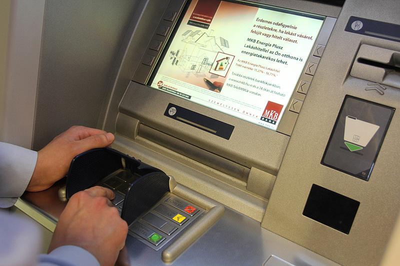Nem biztosította az ingyenes készpénzfelvételt az MKB