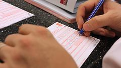 Bankokkal száll versenybe a magyar Tesco - íme, a díjszabás (frissített)