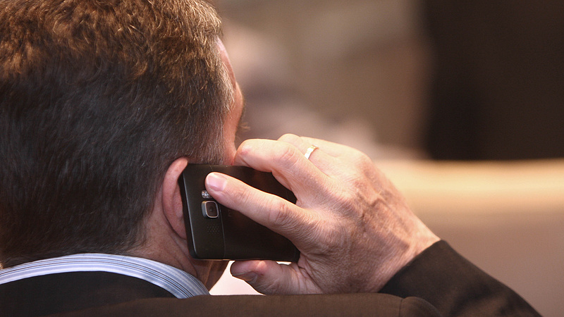 Ennyivel dobja meg az adó a telefonálást - megmondja a NAV
