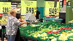 Nyitnak a boltok - Áder aláírta a törvény