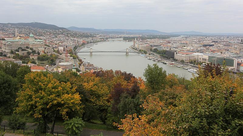 Ez vár Magyarországra? - Tűzijáték, figyelmeztető jelekkel